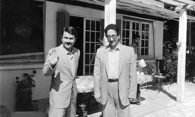 او که در طول دوره ریاست جمهوری اش تنش های بسیاری خلق کرد، با همکاری منافقین، در ترور شخصیت های مطرح جمهوری اسلامی در دهه ۶۰ نقش داشت.