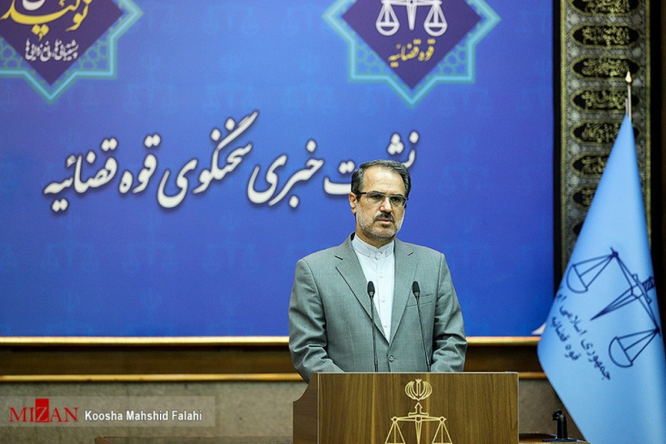 امید اسدبیگی فرزند احسان به اتهام مشارکت عمده در اخلال عمده در نظام ارزی شرکت از طریق قاچاق ارز به ۲۰ سال حبس و رد اموال محکوم شد.