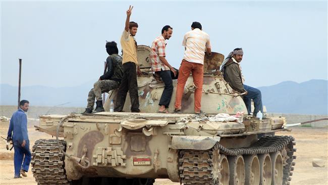 این گزارش ها حاکی است نیروهای مردمی انصارالله توانسته اند به غنایم جنگی از جمله توپخانه های سنگین و تانک های عربستانی ها دست یافته و آنها را به داخل خاک یمن منتقل کنند که این تحول نظامی می تواند درس مهمی برای تجاوزگران عربستانی و عرب باشد.
