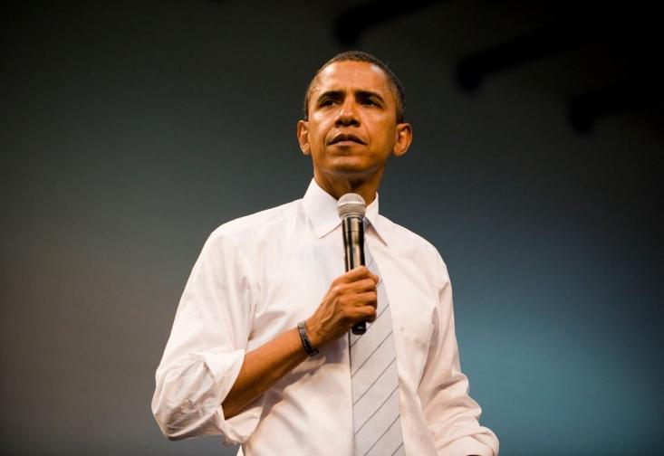 درحالیکه خبرنگاران پرسش ها را از موضوع ایران به سمت سفر به کنیا و مسائل نژادی سوق داده بودند اوباما از خبرنگاران پرسید آیا تمام پرسش های مربوط به ایران مطرح شد است؟ من از پاسخ دادن به پرسش های ایران لذت می برم!