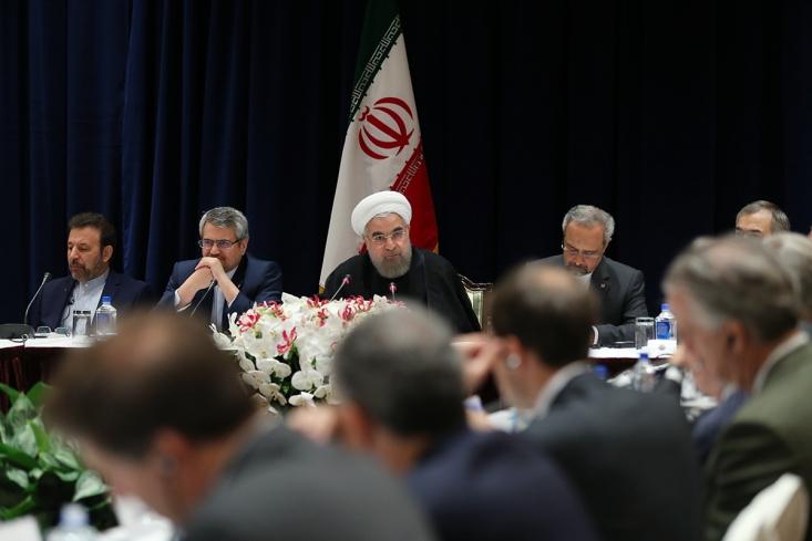 دکتر روحانی در نشست با مدیران شرکتهای تجاری، اقتصادی و صنعتی آمریکا: شرکتهای امریکایی هم می توانند از فضای پسا تحریم بهره بگیرند/ امنیت ممتاز و ظرفیت های بزرگ اقتصادی، فرصت کم نظیری برای سرمایه گذاری در ایران است