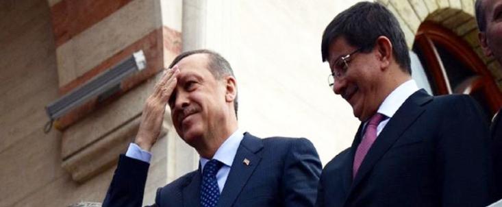 تا پیش از اوجگیری این بحران در سوریه، دو کشور بخش زیادی از نیازهای اقتصادی یکدیگر را برطرف میکردند و حجم مبادلات تجاری این دو کشور سالیانه، بالغ بر چند میلیارد دلار میشد. اما با شروع بحران در سوریه، ترکیه دچار خطای استراتژیک و اشتباه محاسباتی گردید و تصور نمود که دولت اسد به زودی از بین خواهد رفت، لذ رابطه با اسد دیگر برای ترکیه سودمند نیست.