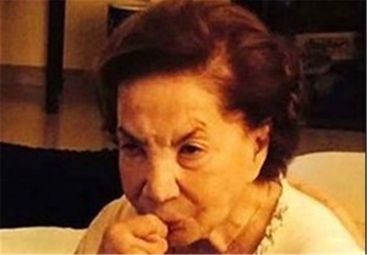 خواهر هرزه و فاسد محمدرضا شاه پهلوی در نیویورک و در سن ۹۶سالگی مُرد.