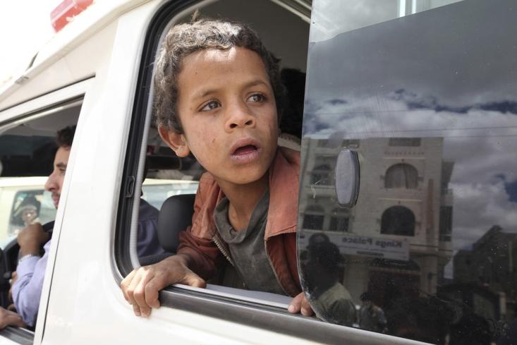 مردم یمن در حال ترک پناهگاه های فراهم شده پس از تخریب خانه هایشان توسط ائتلاف سعودی