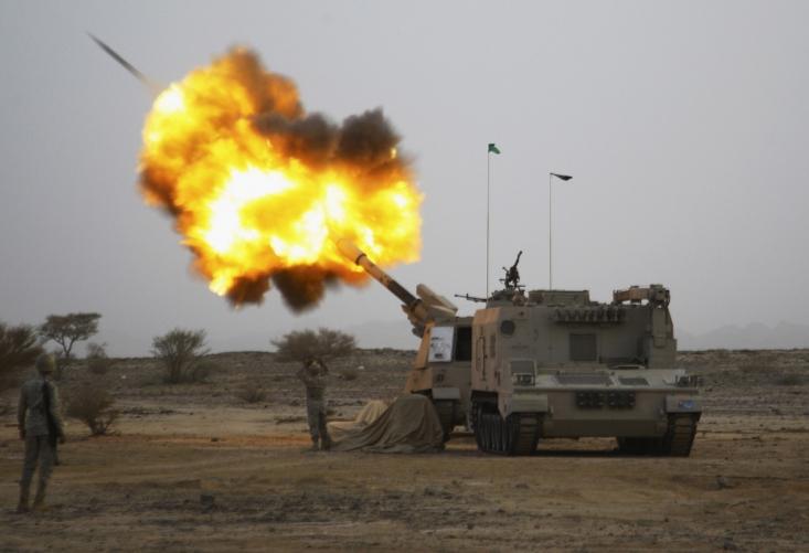 حمله توپخانه ای سعودی به مواضع یمن