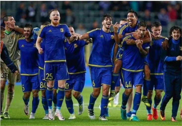در بازی برگشت پلی آف لیگ قهرمانان اروپا روستوف با گل زیبای مهاجم ایرانی خود آتش بازی برابر تیم سرشناس هلندی را آغاز کرد تا به بزرگ ترین افتخار باشگاهی خود برسد.