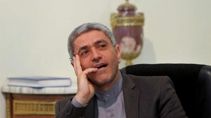 بر خلاف ادعای وزیر اقتصاد دولت روحانی، FATF که کارگزار اجرایی امریکا و همپیمانانش محسوب می شود، نه تنها تعریف ایران از تروریسم را قبول ندارد بلکه آن را مخالف اهداف خود می بیند. لذا این دغدغه را بهانه ای برای عدم انجام تعهدات مالی خود قرار داده و دولت تدبیر و امید را به سمت پذیرش تعاریف امریکایی از مناسبات جهانی سوق داده است.