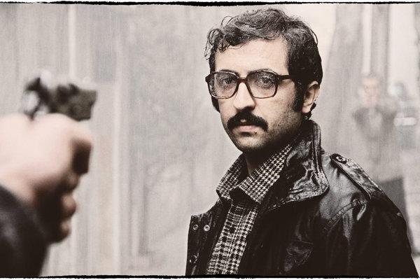 نامزد نشدن فیلم سینمایی «سیانور» در هیچ یک از بخش های فنی و مضمونی جشنواره فیلم مقاومت ضمن یادآوری هیمن اتفاق در جشنواره فیلم فجر برای این فیلم نگرانی هایی را در خصوص دلایل عدم این اقبال از سوی این جشنواره ها به وجود آورده است.