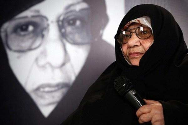 من باور نمیکنم که کسی من را به عدم حمایت از رهبر انقلاب متهم کند. من در پل یادگارامام از زنانی که طرفدار موسوی بودند کتک مفصلی خوردم.  چه کسی گفته است که من پشت سر آقا نایستادم؟!