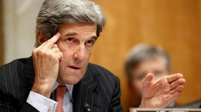 از کمک شایان کنگره برای اعمال رژیم تحریم ها تا بر هم زدن محاسبات مسئولین ایرانی/ جان کری: باید اعمال فشار بر ایران را حفظ کنیم تا بتوانیم برنامه موشکی ایران را عقب بنشانیم