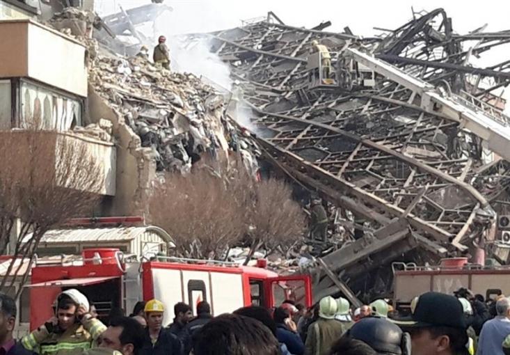 مجموعه ساختمان تجاری پلاسکو براثر وسعت حریق فرو ریخت.تعداد مصدومان تاکنون 37 نفر اعلام شده است. تاکنون بیش از 200 نفر به محل حادثه اعزام شدهاند.
