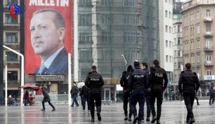 اتحادیه اروپا ضمن محکوم کردن اظهارات رئیس جمهوری ترکیه که در آن، دولت های هلند و آلمان را نازی توصیف کرده بود، اعلام کرد که این سخنان با بلندپروزای های آنکارا برای ملحق شدن به اتحادیه اروپا همخوانی ندارد.