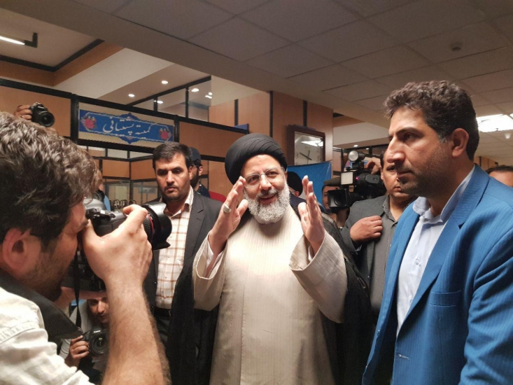 نامزد انتخابات ریاست جمهوری گفت: علی القاعده ممکن است عده ای با نام شناسنامه ای من آشنا نباشند لذا عنوان مشهور بسیار مهم است.