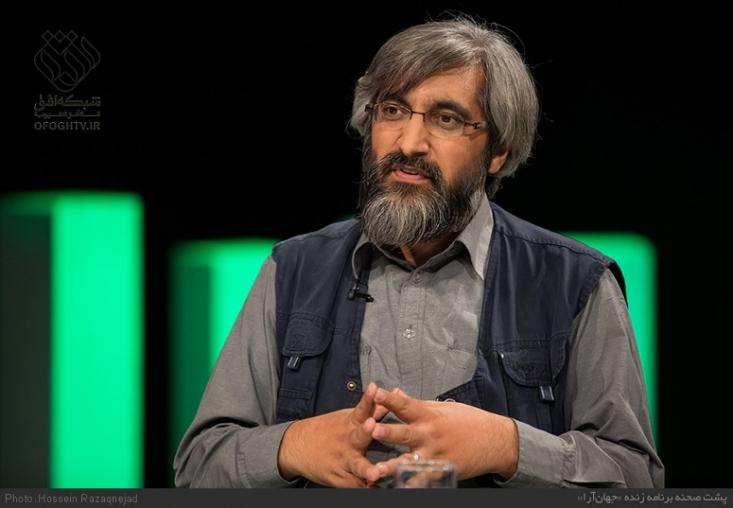 """وحید جلیلی با حضور در  برنامه جهان آرای شبکه افق ، به تفصیل نکات و شبهات مربوط به کلید واژه """"آتش به اختیار """"،  که در دیدار دانشجویی ماه رمضان امسال رهبر انقلاب مطرح شد، را مورد بررسی قرار داد."""