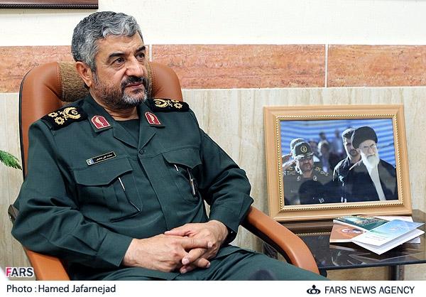 فرمانده کل سپاه گفت: اگر اجرای پروژه های سازندگی را در نقشه ایران جانمایی کنند، جای جای این سرزمین اسلامی عرصه خدمت رسانی سپاه به مردم است.