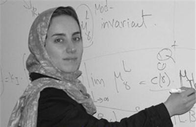 مریم میرزاخانی در دوران تحصیل در دبیرستان فرزانگان تهران، برنده مدال طلای المپیاد جهانی ریاضی در سالهای ۱۹۹۴ (هنگکنگ) و ۱۹۹۵ (کانادا) شد و در این سال به عنوان نخستین دانشآموز ایرانی موفق به کسب نمره کامل شد. وی نخستین دختری بود که به تیم المپیاد ریاضی ایران راه یافت و نخستین دختری بود که در المپیاد ریاضی ایران طلا گرفت.
