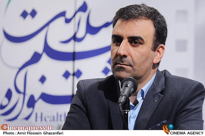 تا چند روز دیگر فیلمی در سینما های ایران به اکران در می  آید که به لحاظ شوخی های جنسی یک سر و گردن از فیلم های مبتذل چند سال اخیر بالاتر است. با این وجود به نظر می رسد که اداره کل نظارت و ارزشیابی سازمان سینمایی اهتمامی به مقابله با اینگونه آثار ندارد.