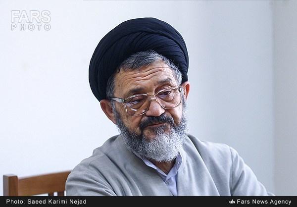حجت السلام سید رضا اکرمی گفت: مردم فکر می کردند که مسئولین ما با یک دندگی و لجبازی نمی خواهند با امریکا مذاکره کنند ولی امروز پس از برجام به این نتیجه رسیدند که نباید حتی در مورد هسته ای نیز مذاکره انجام می دادند.
