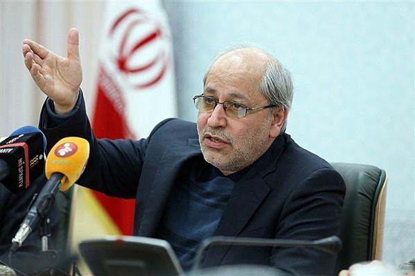 مشاور اقتصادی روحانی گفت: دولت قبل ما را در رکودی فرو برده که برای خروج از آن باید ۱۰ سال صبر کرد.