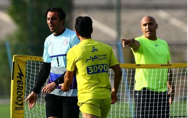 باشگاه استقلال تهران، علیرضا منصوریان و سیدمهدی رحمتی از مجری معروف تلویزیون شکایت کردند.
