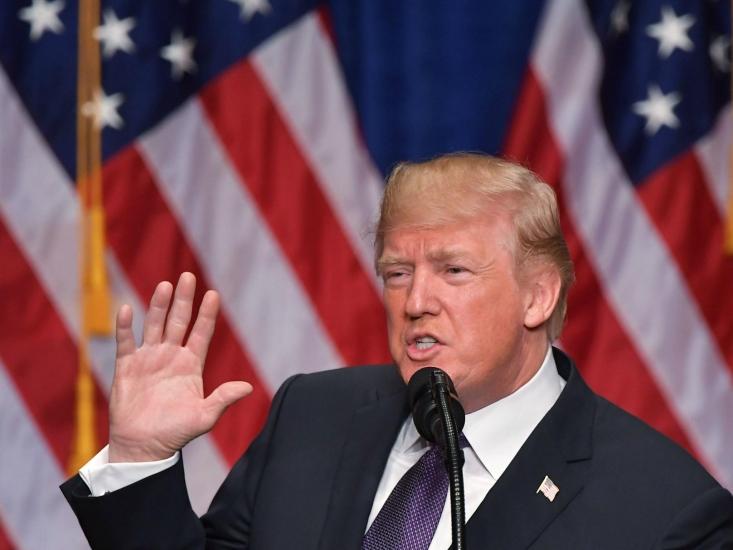 مقامات بلندپايه دولت آمريکا اعلام کردند دونالد ترامپ رئيس جمهور آمريکا خواستار آن است موافقتنامه هسته اي ايران با قيد و بندهايي سخت تر همراه شود و ترامپ براي آخرين بار تعليق تحريم هاي هستهاي عليه ايران را تمديد خواهد کرد و خواستار موافقتنامه اي الحاقي با شرکاي اروپايي و همچنين اصلاح قانون آمريکا در ارتباط با موافقتنامه هسته اي ايران است.