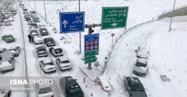 تفکر اعتدالی  نشان داده است که می توان بارش 20 سانت برف را هم به یک بحران تبدیل کرد. کارنامه مدیریتی برخی از مدیران نشان داده است که مشکل اصلی را نه در کمبود بودجه بلکه باید در مدیریت پیر و خسته آنها جستوجو کرد. چرا که می توان با وجود پیش بینی های قبلی و اختصاص میلیاردها بودجه برای برف روبیِ تهران، بازهم نتوان از پس بارش برف برآمد.