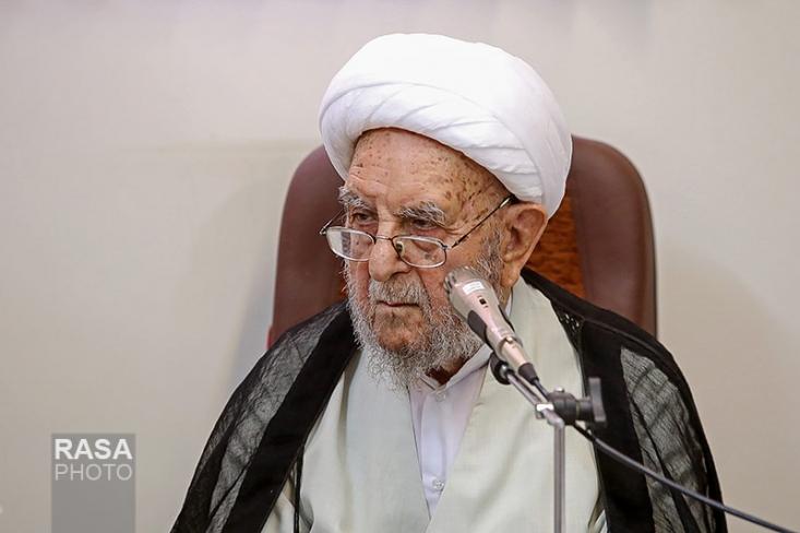 عضو مجلس خبرگان رهبری در واکنش به نامه منتسب به یکی از سران فتنه گفت: رهبر انقلاب همانند امام، کشور را بهخوبی مدیریت کرده است.