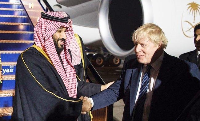 درست تر بود مینوشت: «او دارد مرگ را برای یازده میلیون کودک یمنی میآورد. آنهم با بمبهای بریتانیایی، اما مهم نیست چون او برای اسلحه تا اینجا میلیاردها پوند پول داده وهمینطور هم قول داده یکصد میلیارد پوند از سهام شرکت نفتی آرامکو را در بورس لندن عرضه کند»
