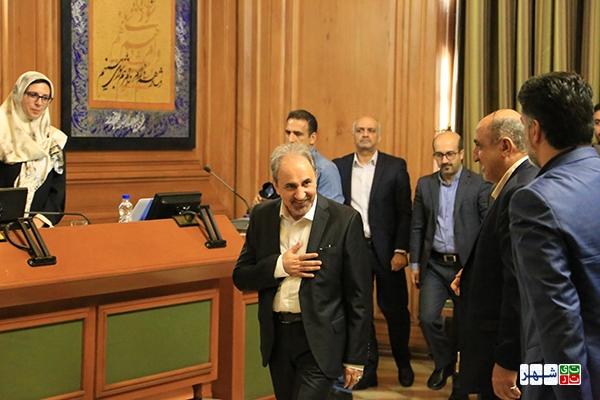محمدعلی نجفی که از روزهای نخست انتخاب به عنوان شهردار تهران، در خصوص نتیجه استعلاماتش شبهاتی وجود داشت، امروز از شهرداری تهران استعفا داد تا چهارمین استعفا را در کارنامه کاری خود ثبت کند.