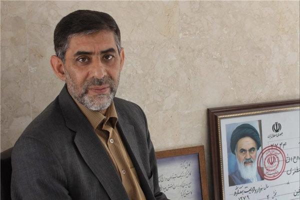 حمید حسام نویسنده برگزیده بهعنوان «چهره سال ۹۶ هنر انقلاب» میگوید مهمترین نگرانی او برای آینده فرهنگ و هنر انقلاب اسلامی تحریف واقعیتهای تاریخی آن است.