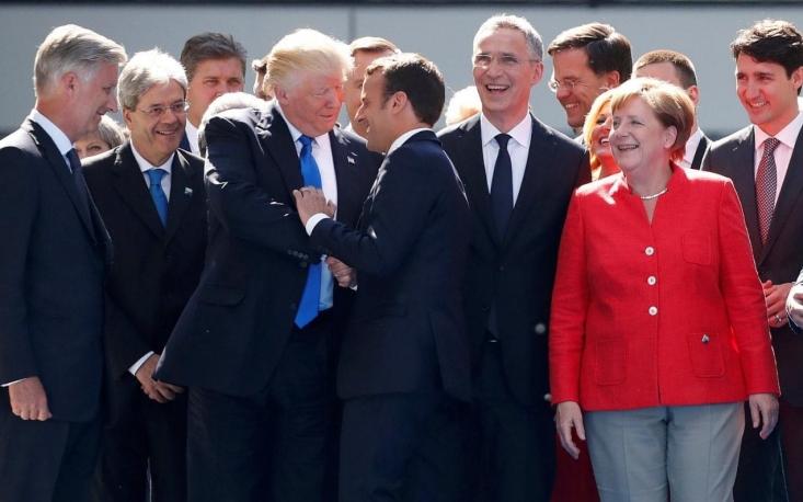 ده روز چانهزنی دوباره تیم مذاکره کننده هسته ای با اروپاییها اما نتیجه نداد و شرکت های خارجی یکی یکی اعلام کردند که با وجود تحریم های آمریکایی ها نمی توانند در ایران بمانند. نقض فتح الفتوح(!) دولت تدبیر حالا با خروج شرکت های اروپایی تکمیل شده است