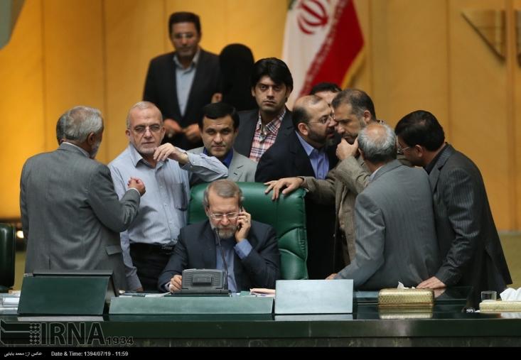 چندی پیش نیز جریان های رسانهای همسو با  دولت در اقدامی عجیب تصویب یک لایحه داخلی را به عنوان پیوستن ایران به این کنوانسیون استعماری FATF جا زدند! اتفاقی که برای عادی سازی پیوستن ایران به کنوانسیون های خلاف امنیت ملی در حال انجام بوده است