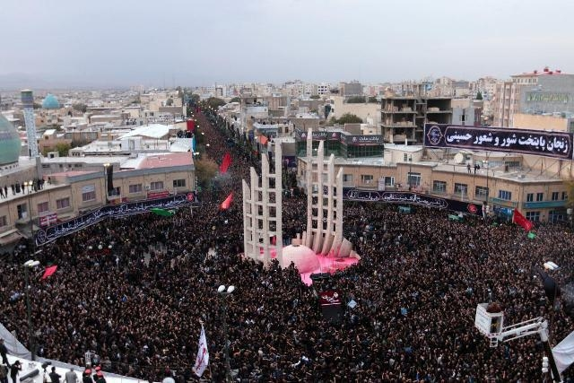 قیام مردم ایران در برابر اهانت کنندگان به عزای سیدالشهداء(ع)/ نهاد «هیئت» ظرفیت عظیم در جهت محرومیت زدایی و تحقق عدالت اجتماعی/ زنان چهره کشور را تغییر دادند + گزارش تصویری