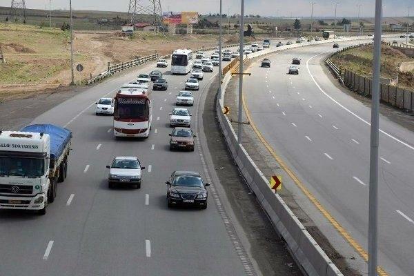 رییس پلیس راه شرق استان تهران از بازگشایی محور هراز خبر داد و ترافیک در این محور را نیمه سنگین دانست.