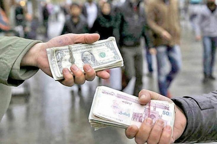 نماینده مردم شیراز در مجلس شورای اسلامی گفت: فعالیت ها و تصمیمات چهار دهه گذشته در حوزه ارز که اغلب حول برنامه ریزی در زمینه کنترل نرخ آن بوده تنها منجر به فساد و رانت در کشور شده است.