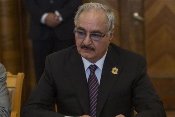 فرمانده کل نیروهای مسلح لیبی که به مسکو سفر کرده وزیر دفاع روسیه دیدار و در خصوص همکاری های مشترک رایزنی کرد.