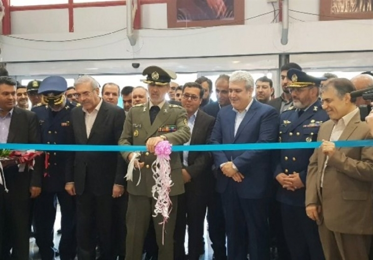 سه محصول جدید دفاعی با حضور وزیر دفاع در نمایشگاه هوایی کیش رونمایی شد.