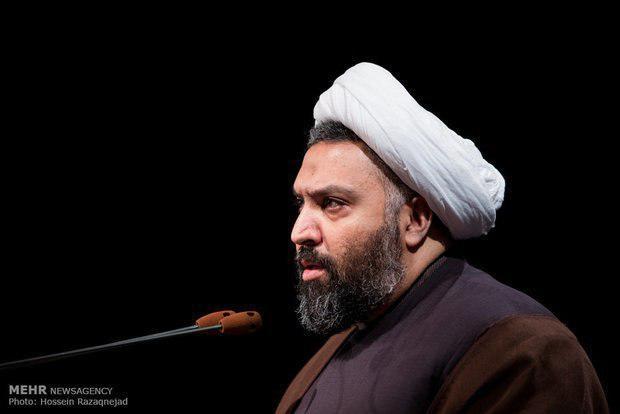 در دولت آقای روحانی هم شاهد اتفاقات مشابه هستیم چنانچه من معتقدم دولت یازدهم و دوازدهم کشور را فرسنگها از مسیر عدالت دور کرده است. جدای از ریلگذاریهای غلط، ما در این چهل سال، فاقد یک تئوری و مدل اسلامیِ کارآمد در عرصه عدالت هستیم و وقتی از عدالت صحبت میکنیم در کلیگویی و اقدامات ابتدایی متوقف میشویم؛ از طرف دیگر، عدهای که منافعشان با عدالت به خطر میافتد، در مسیر عدالت چه در ساحت تئوری و چه در ساحت عمل سنگاندازی میکنند. نمونه کوچکی از این سنگاندازی را در رفتار وزیر سابق مسکن که نماینده یک طیف محسوب میشد، مشاهده کردیم. البته بر خلاف نظر شما، مردم ناامید نیستند. علیرغم جنگ روانیای که به راه افتاده، در دل مردم ما امید زیادی هست و خود مردم با اتکا به نخبگان و مدیران انقلابی در بدنه نظام، شرایط را تغییر خواهند داد.