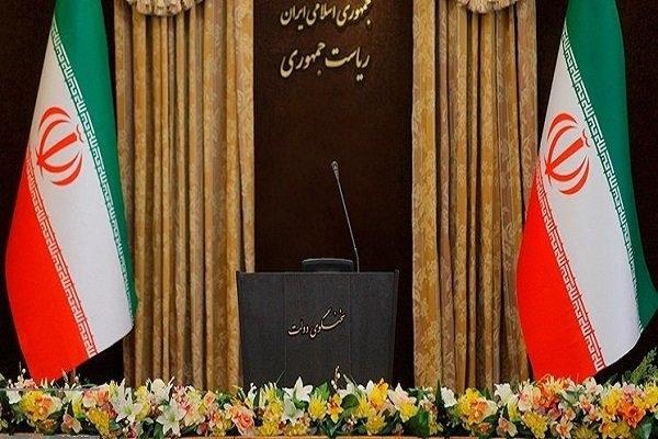 از نهم مردادماه ۹۷ که نوبخت از سخنگویی دولت استعفاء کرد، ۱۷۹ روز است که این کرسی در دولت خالی مانده و هیچ مقامی هم در این رابطه توضیحی ارائه نمیدهد.