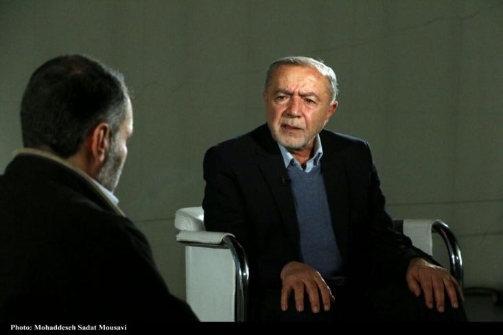 سرهنگ شریف النسب یکی از نیروهای وفادار به امام و انقلاب در ارتش شاهنشاهی بوده است. او معتقد است ارتش در دو سال منتهی به انقلاب پر از نیروهای وفادار به مردم بوده اما فشارهای ساواک و واحد ضد اطلاعات ارتش هم بسیار سنگین بوده است.