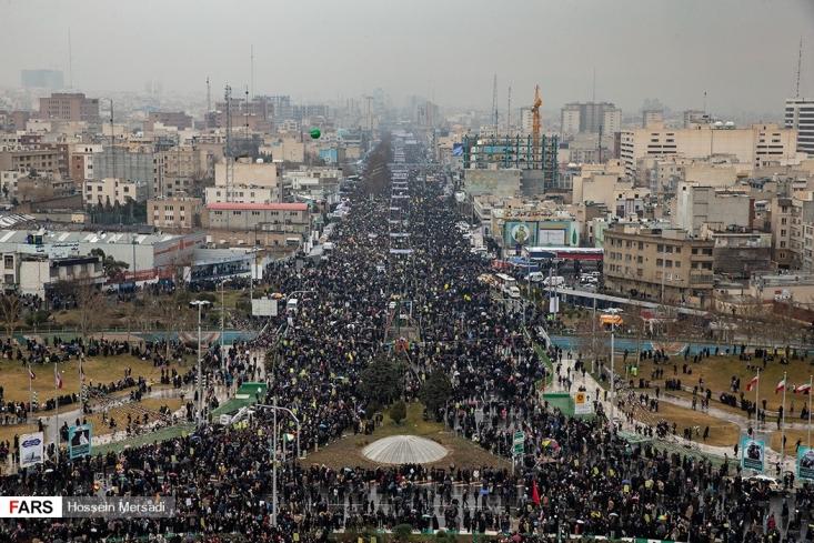 شبکه های الجزیره، المیادین، المنار، دویچه وله، بی بی سی(انگلیسی)، فرانس 24، رویترز و آسوشیتد پرس با قطع برنامه های عادی خود، بخش هایی از حضور میلیونی امروز ملت ایران را به طور زنده پخش کردند.