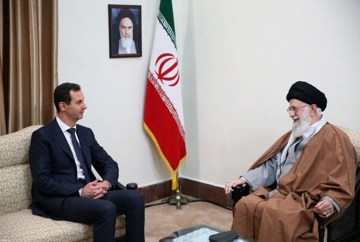البیسی نوشت که رهبر ایران در این دیدار با تبریک به اسد و ملت سوریه و ارتش و نیروهای مسلح این کشور برای پیروزی بر تروریسم گفت که این پیروزیها ضربه سختی به طرح غرب و آمریکا در منطقه بوده است.