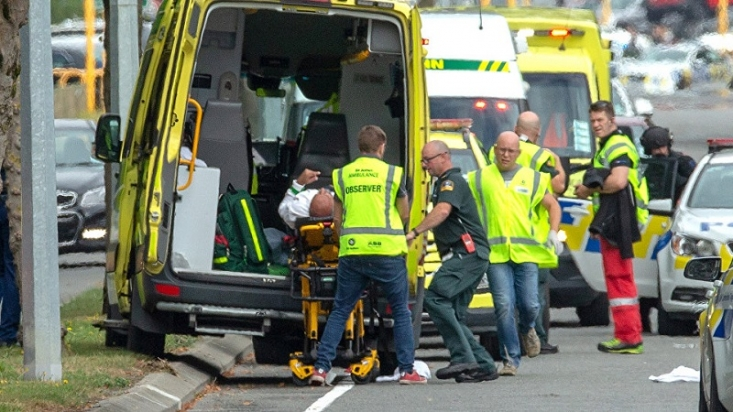 نژادپرستان با حمله به دو مسجد «نور» و« لینوود» در شهر «کرایستچرچ» نیوزیلند که همزمان با اقامه نماز جمعه، در این دو مسجد اتفاق افتاد یکی از سیاهترین روزهای تاریخ این کشور را به گفته نخستوزیر نیوزیلند رقم زدند.
