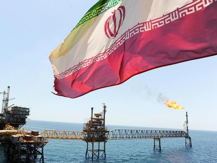 ادعای آمریکایی ها مبنی بر جلوگیری کامل از تولید و صادرات نفت ایران، بیش از اینکه راهکاری عملی برای تحت فشار قرار دادن ایران باشد، بیشتر یک بلوف سیاسی برای گرم نگه داشتن تنور تحریمهای چهل ساله ایران است.