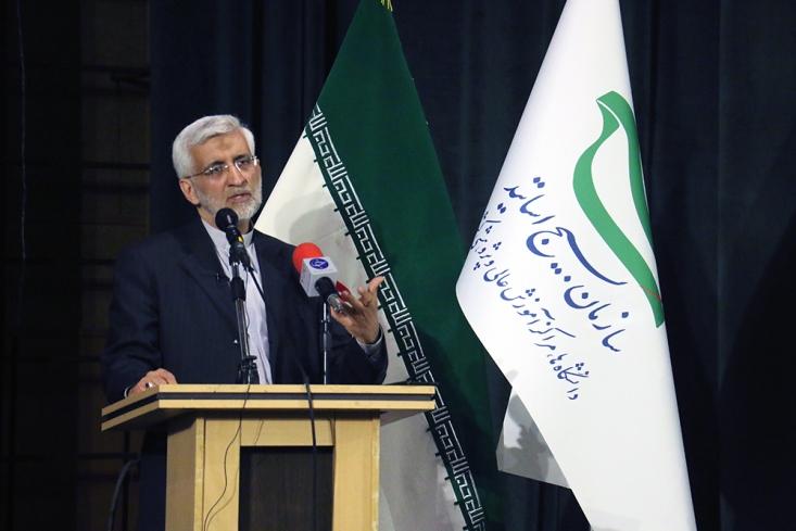 جلیلی گفت: البته در کنار مقاومت مردم ایران، دشمن نیز فهمیده است که اگر در باور ملت و تحلیل های صحیح او اخلال ایجاد کند، دیگر به جنگ نظامی نیاز ندارد.
