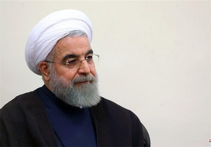 برخلاف ادعای امروز حسن روحانی، وی تاکنون چندین بار به صراحت اعلام کرده اختیارات کاملی برای اقدام در کشور دارد و این اختیارات آنقدر هست که بتواند در مقابل آنها پاسخگو هم باشد.