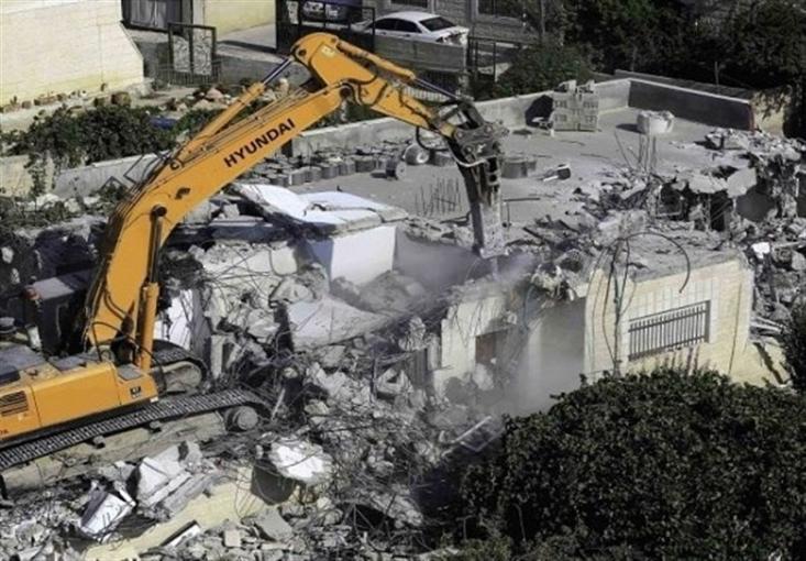 رژیم صهیونیستی در چارچوب سیاست آواره کردن ملت فلسطین و یهودی کردن این سرزمین، به تخریب منازل مردم ادامه میدهد.