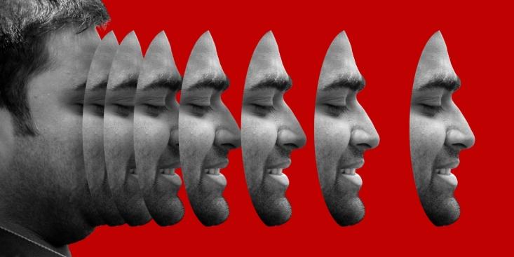 با مشخص شدن اینکه اساساً «حشمت علوی» وجود خارجی نداشته و پشت پرده آن منافقین هستند و با توجه به استفاده دستگاه های پروپاگاندای غرب و مشخصاٌ آمریکایی، و با رجوع به بخشهایی از گزارش «اینترسپت»، میتوان از رابطه منافقین با تحریمهای آمریکا علیه مردم ایران مطلع شد.