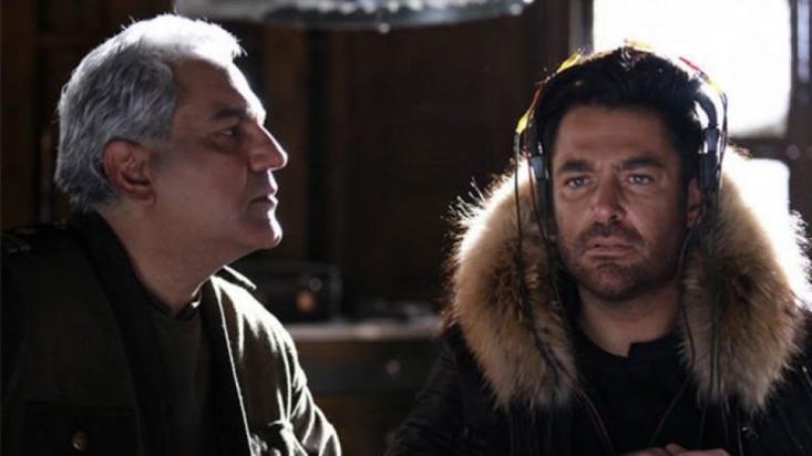 به نظر می رسد که تبریزی در ادامهی فعالیتهای صنفیاش در سینمای ایران، «ما همه با هم هستیم» را کارگردانی کرده و پس از کشف سرمایهای بادآورده، تعداد زیادی از بازیگران و رفقایش را دور هم جمع کرده است تا تک خوری نکرده باشد؛