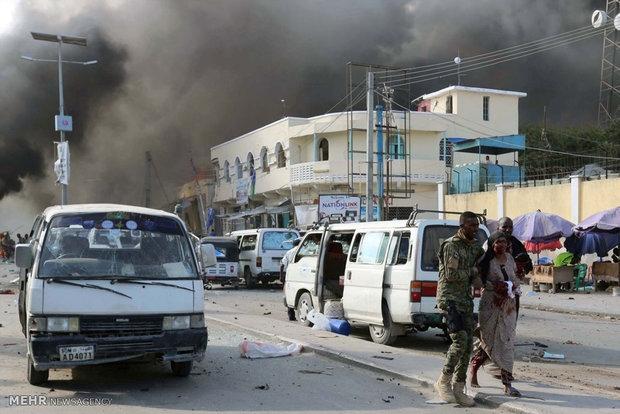 رسانههای خارجی از وقوع دو انفجار در موگادیشو پایتخت سومالی خبر دادند.
